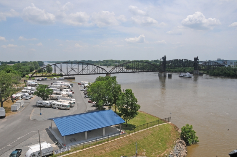 North Country Rv >> Downtown Riverside RV Park, North Little Rock, AR | RVParking.com