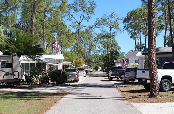 Woodsmoke Camping Resort Fort Myers Fl Rvparking Com