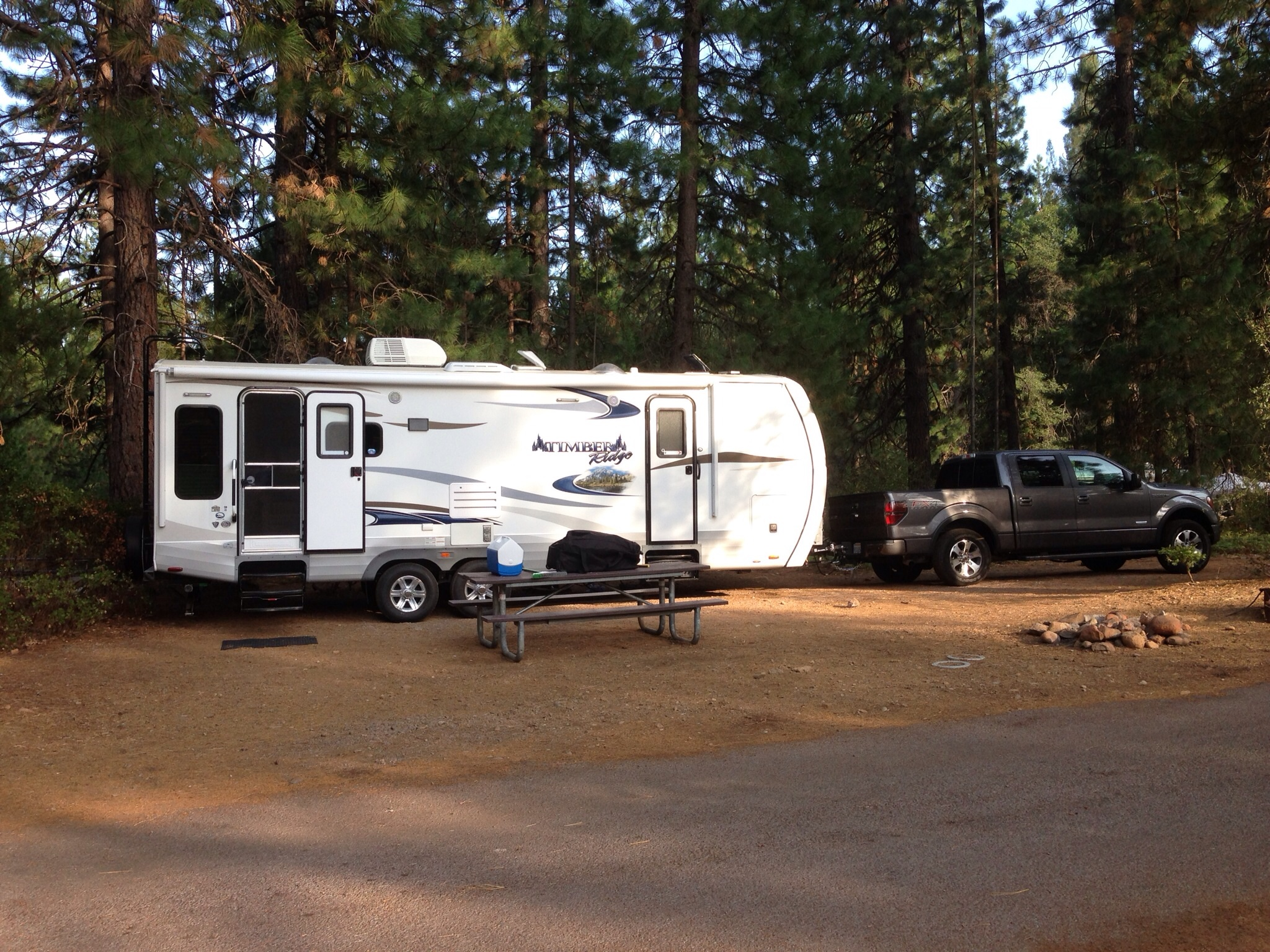 Mount shasta rv parks reviews and photos for Lake siskiyou resort cabins