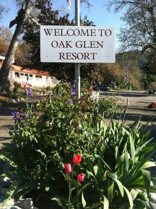 Oak glen retreat photos rv parking for Oak glen park